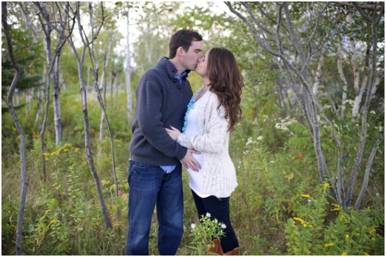 Fall maternity photos in a field in maine