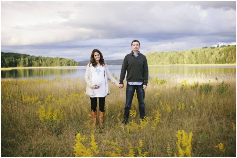 Fall maternity portraits in a field in Maine