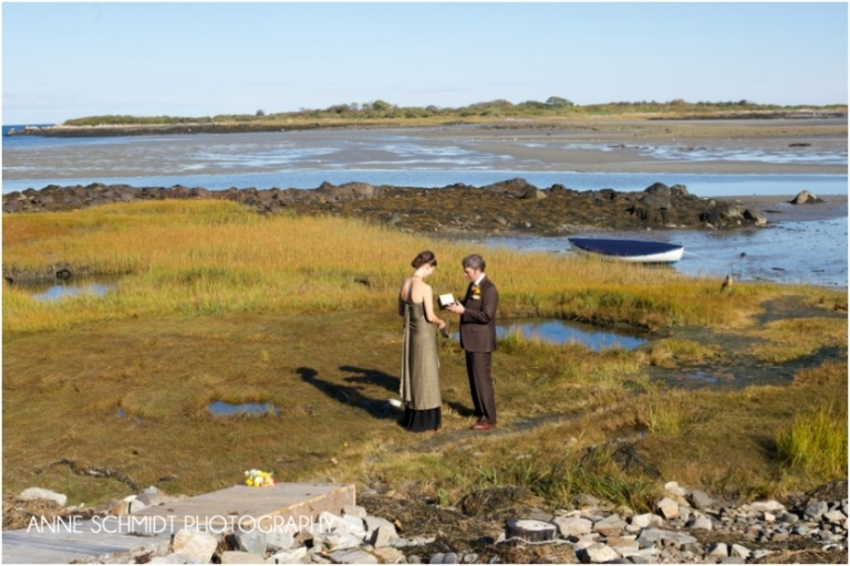 bridal portraits on the marsh in Kennebunkport